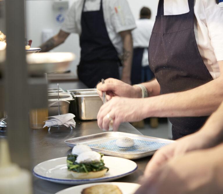 Chef preparation , eggs florentine